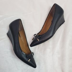 Sofft Black Point Toe Wedge